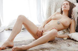 Breasty gal jilling off in an artistic pornography tweak