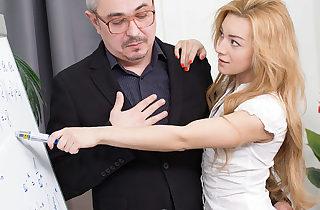 Hot blonde babe pokes her teacher after class