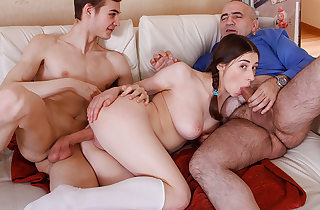 Playful babe prefers to purloin with..